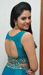 Sreemukhi signs a movie after 2years