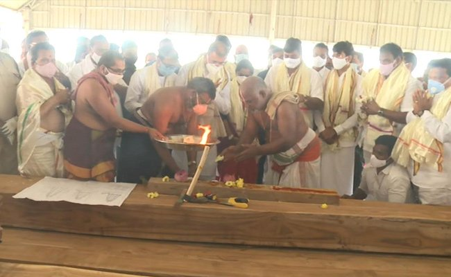 AP begins new chariot construction for Antarvedi temple