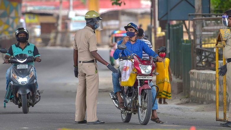 Karnataka: Riding without helmet will cost to 3 month DL suspension