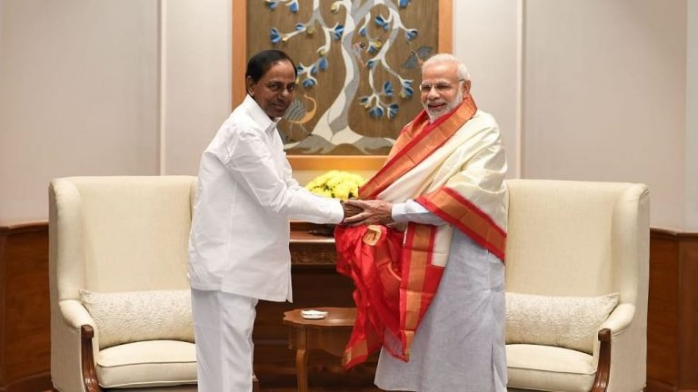 What does Amit Shah's TN visit mean for KCR?