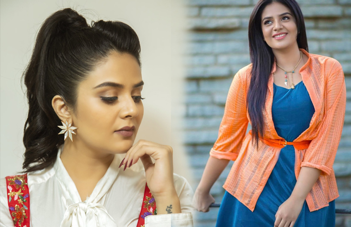 sreemukhi Beautiful Looks