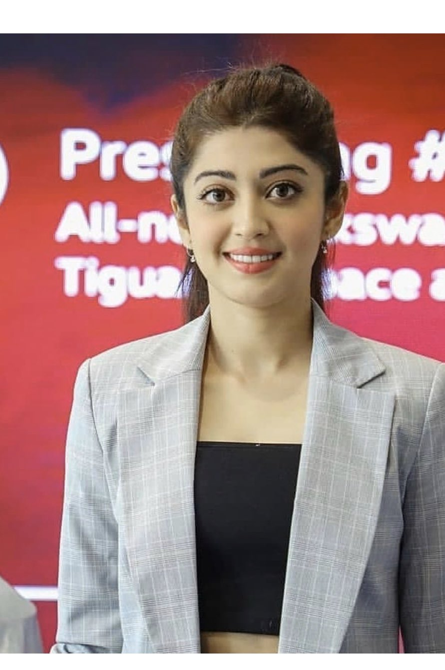 Pranita Subhash New Wallpapers