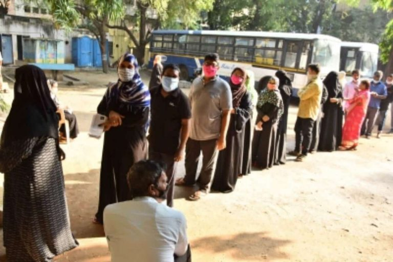 Nearly 30% polling in Hyderabad till 4 pm