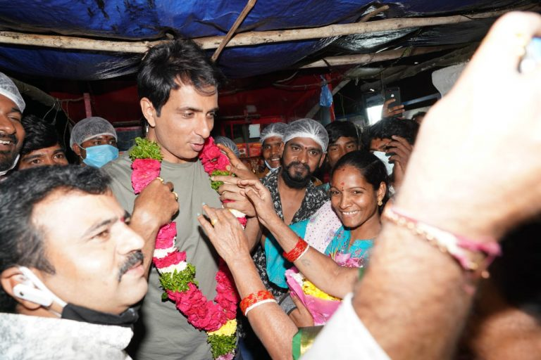 Sonu Sood surprises road-side food stall owner in Hyderabad