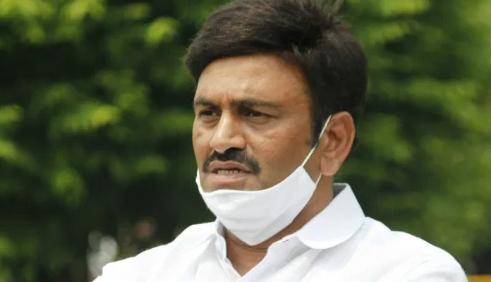YSRCP MP Meets President alleging fake cases from own party
