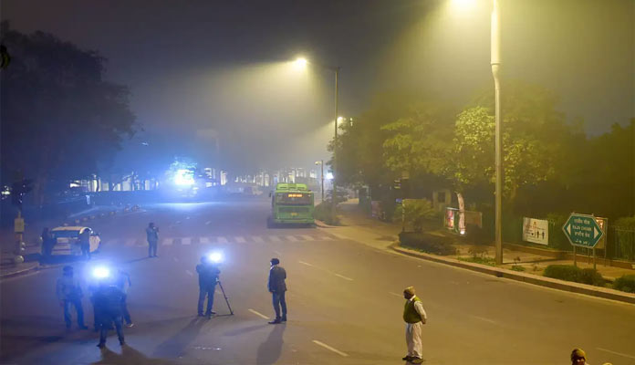 Delhi night curfew: Shops being closed at 8 p.m